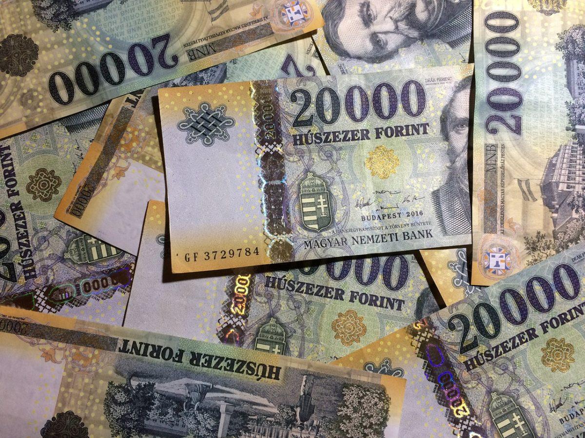 Nyolc százalékkal emelkedett a minimálbér